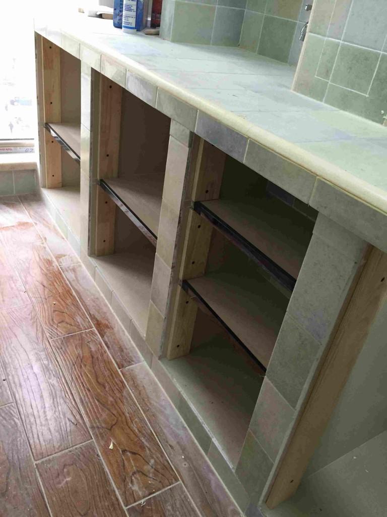 砖砌橱柜安装柜门方法