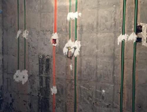 北京昌平旧房装修翻新改造:水电改造布管横平竖直的,看得就是舒服!