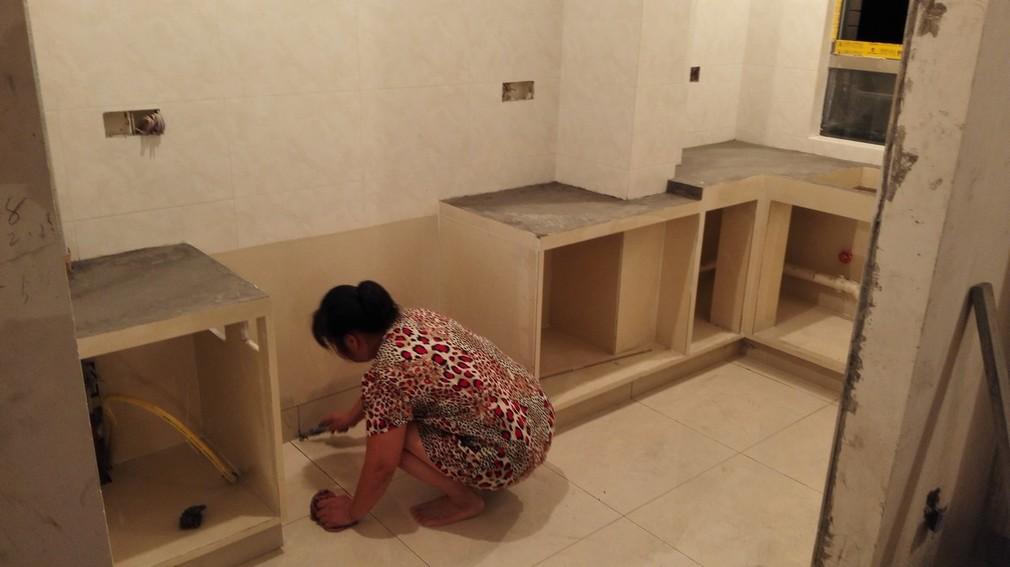 北京江水平装修队瓦工瓷砖砌橱柜
