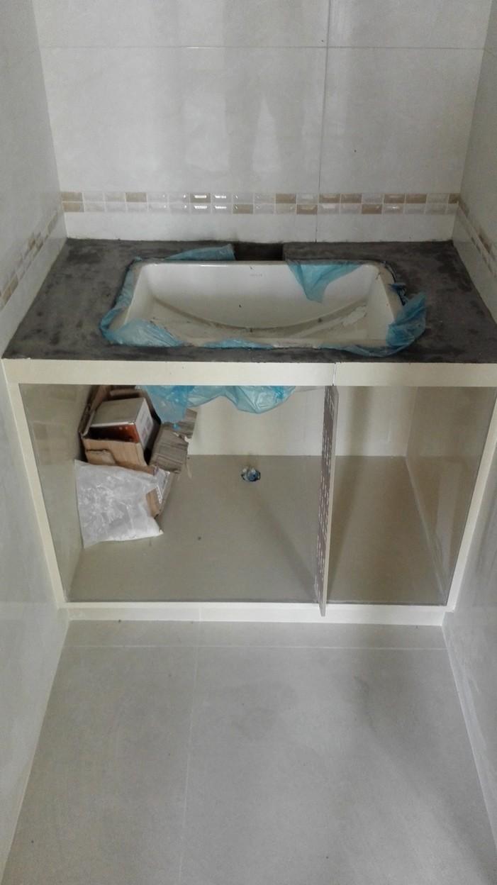 北京江水平装修队瓦工瓷砖砌洗手台