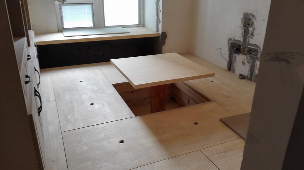 北京江水平装修队木工师傅现场做榻榻米