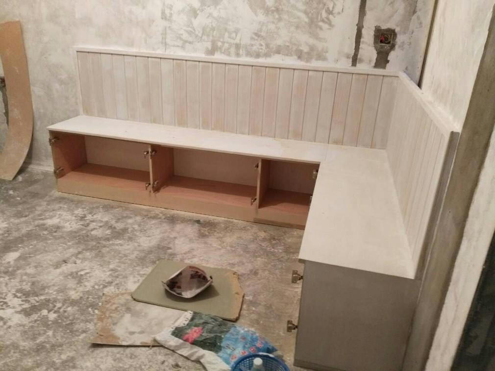 北京江水平装修队木工师傅现场做卡座