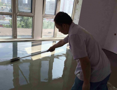 北京二手房装修东城区景泰西里东区水泥自流平完工,地板铺贴特别平整