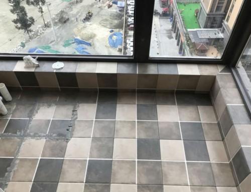 北京江水平装修队大兴新房装修瓦工贴砖进行中