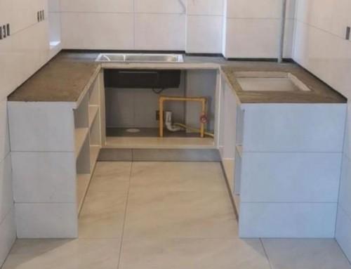 北京厨房装修和卫生间装修,用瓷砖砌橱柜或瓷砖砌洗手台或洗衣台还是北京江水平装修队靠谱